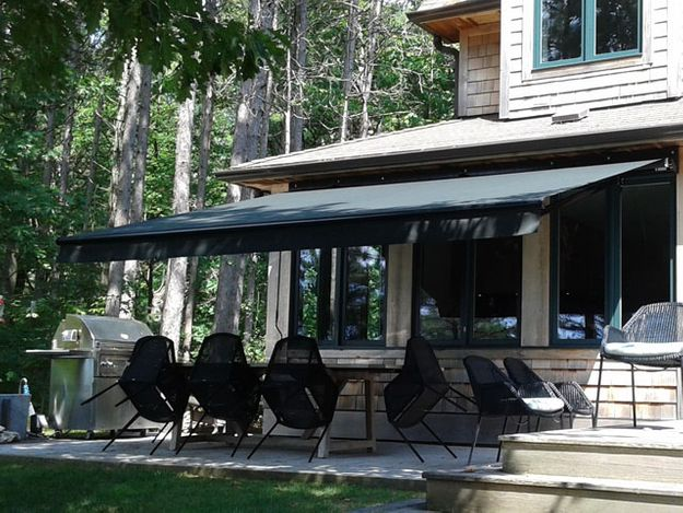 official photos 51a9b fdc07 Privacy Valances Ontario | Roller/Retractable Awnings ...